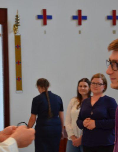 Michał przyjmuje krzyż
