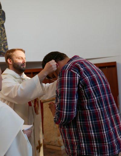 Zbyszek przyjmuje krzyż 2